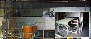 17mの乾燥炉で防カビ抗菌剤を乾燥させます。